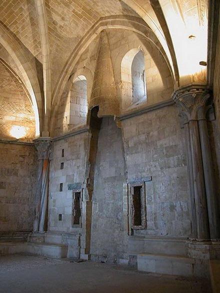 Кастель-дель-Монте (Castel del Monte). Италия