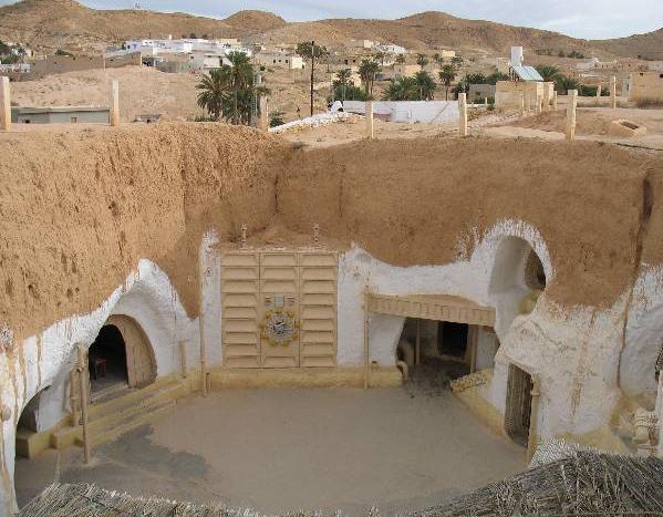 Берберский город Матмата (Matmata). Тунис