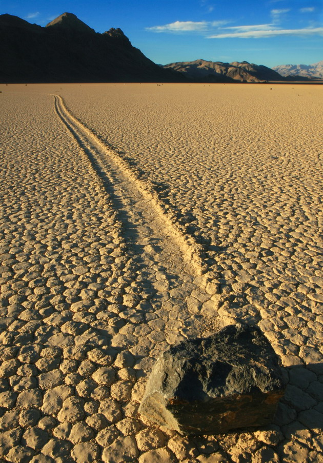 Движущиеся камни Рейстрэк-Плайя