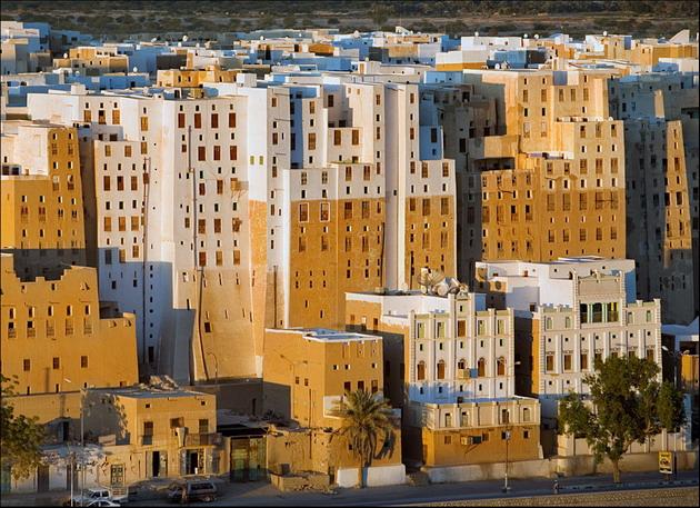 Шибам - самый древний город небоскребов