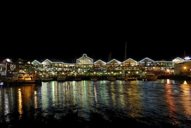 Набережная Виктории и Альфреда (Victoria & Alfred Waterfront)