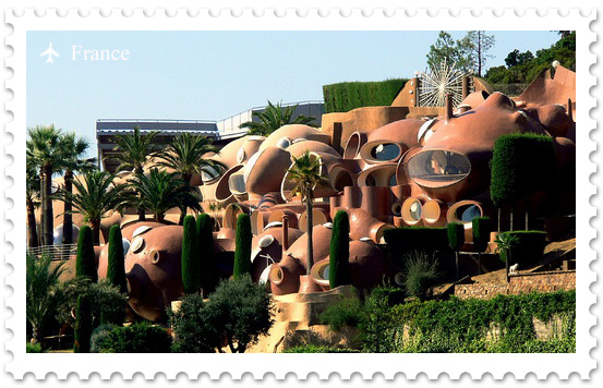 Дворец пузырей — вилла Пьера Кардена в Каннах