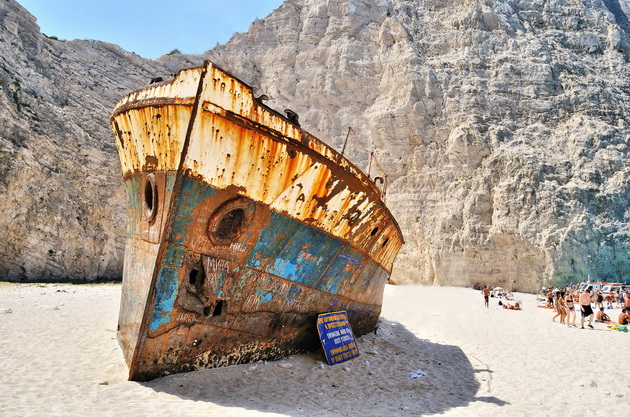 Бухта Навайо (Navagio Beach). Остров Закинф, Греция