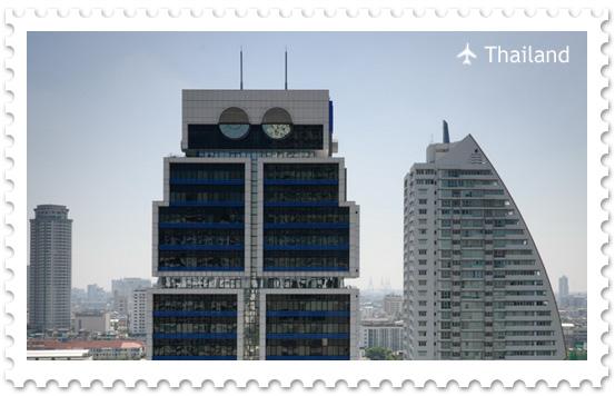 Здание банка United Overseas Bank в Бангкоке