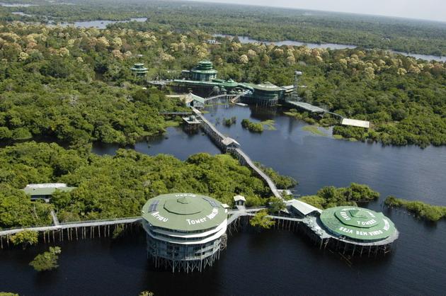 Ariau Amazon Towers Hotel. ��������