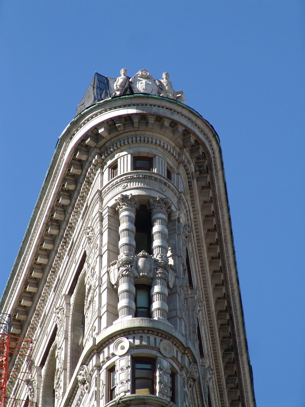 Флэтайрон-билдинг (Flatiron Building). Нью-Йорк