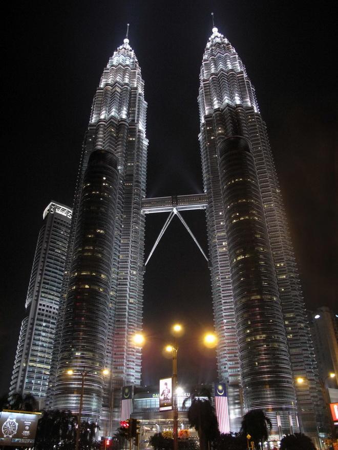 Высочайшие небоскребы мира. Petronas Towers