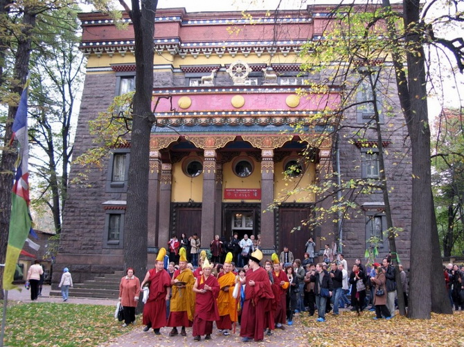 Buddhist-temple-St. Petersburg (4)